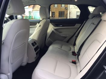 Jaguar F-PACE Contact us today and ask about our great offers on Stock Cars for immediate delivery.  image 11 thumbnail